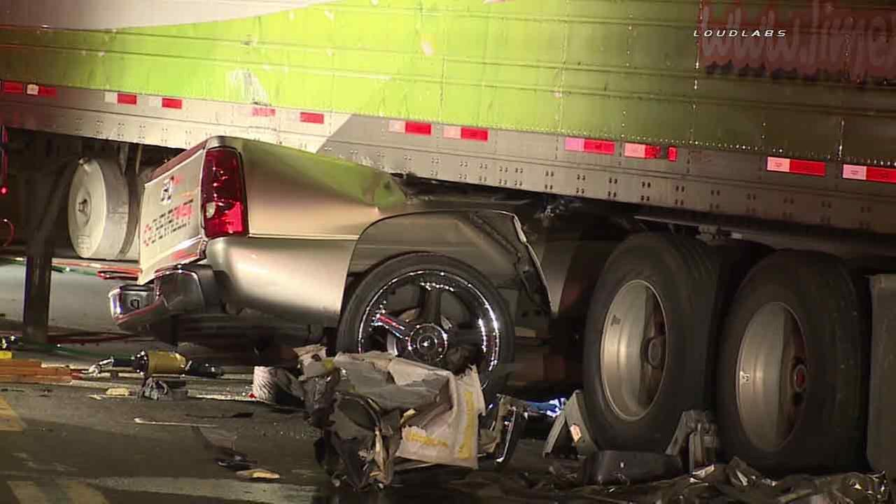 semi truck 18 wheeler accident